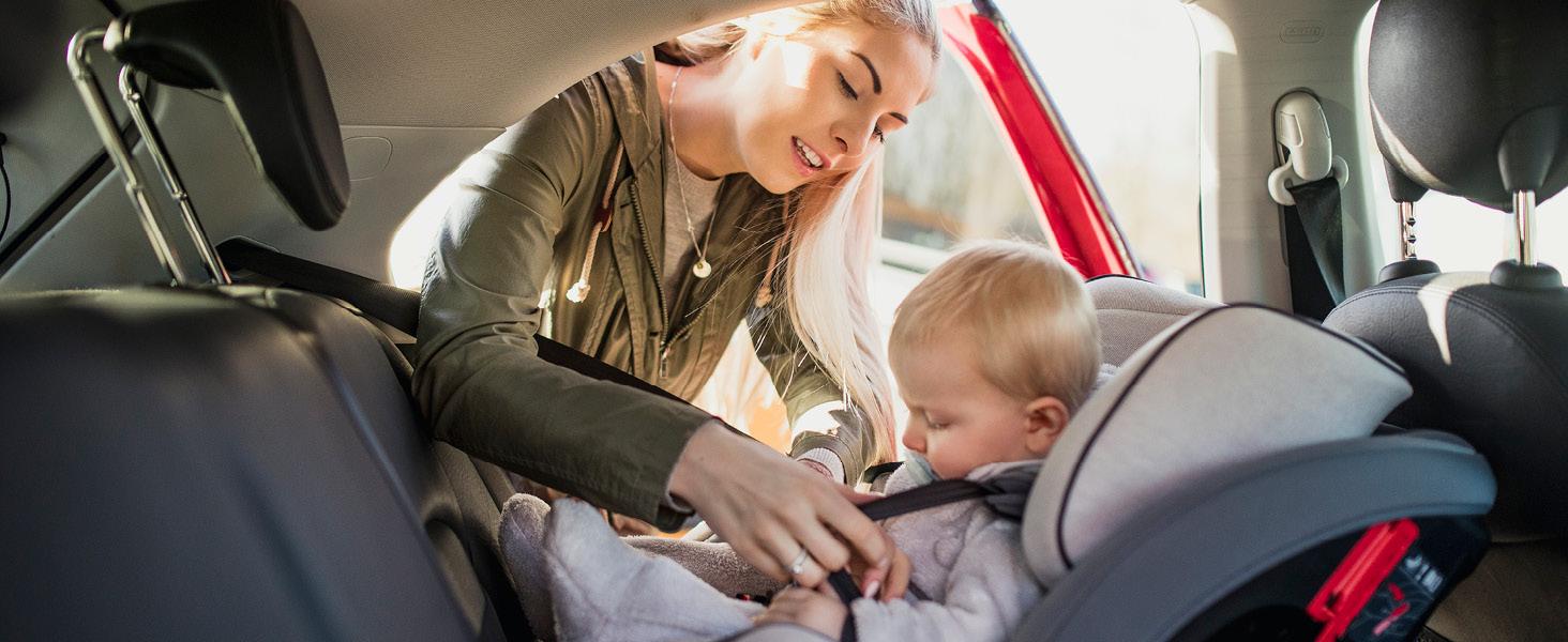 Gettyimages/SolStock; Test, Prüfung, Untersuchung, ADAC, Schadstoff, Schadstoffgehalt, Kindersitz