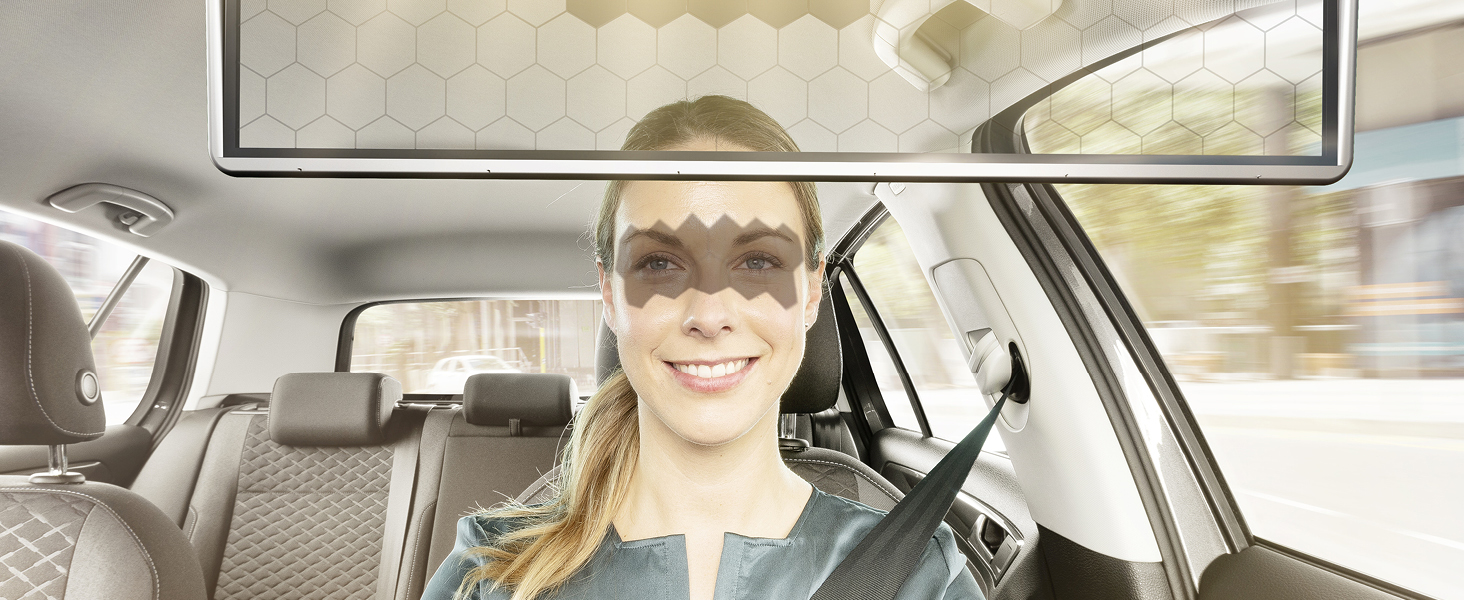 Auto der Zukunft: durchsichtige Sonnenblende und Sound ohne Lautsprecher
