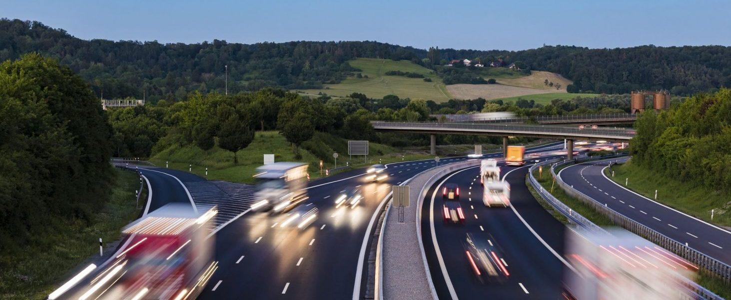 Es ist ein…vielleicht! Zumindest vom ADAC für das Tempolimit auf deutschen Autobahnen.
