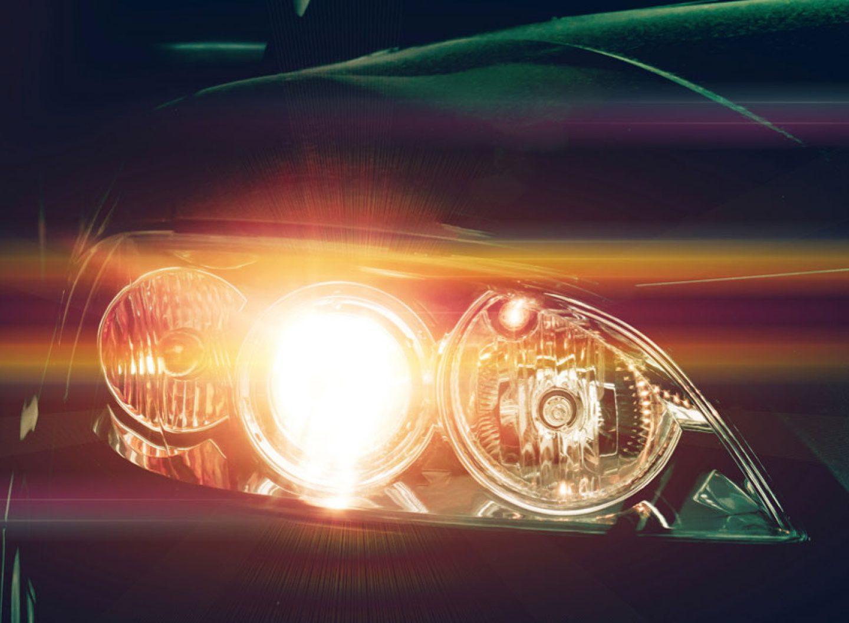 Per Lichthupe vor Blitzern warnen? Nett gedacht, aber verboten. (Bild: Getty images/AppleZoomZoom)