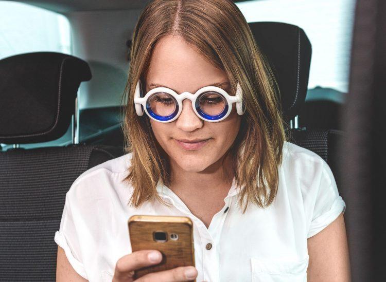 Für rund 100 Euro erhält man im Onlineshop von Citroën eine ganz besondere Brille: die Seetroen, die Abhilfe gegen Reiseübelkeit verspricht.