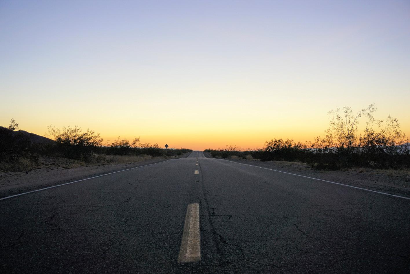 Zwischen Nevada und Kalifornien ist man oftmals für mehrere Meilen der einzige Autofahrer.