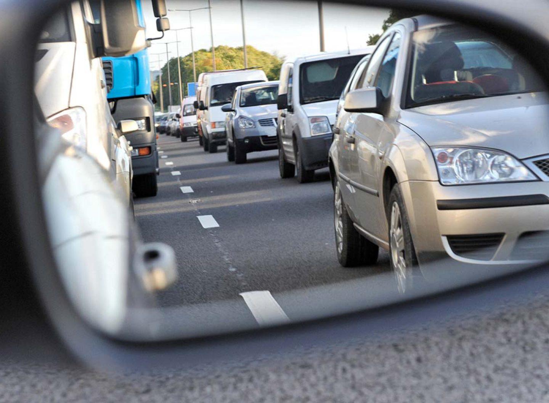 Kein Stress beim Autofahren? Klingt gut. Der Abstandsregeltempomat gehört in immer mehr Fahrzeugen zum guten Ton.