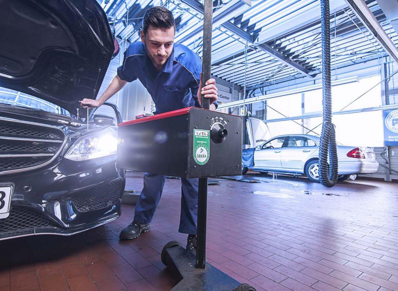 Beleuchtung einstellen: Bei Licht-Test sind wieder zahlreiche Autos mit Mängeln aufgefallen