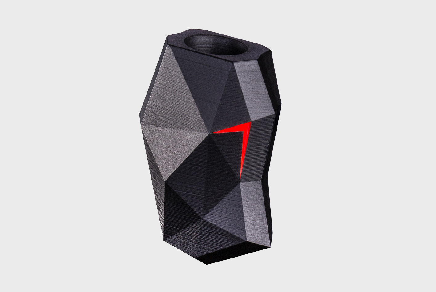 Siren7 hat ein Carbon-Gehäuse mit Stein-Optik.