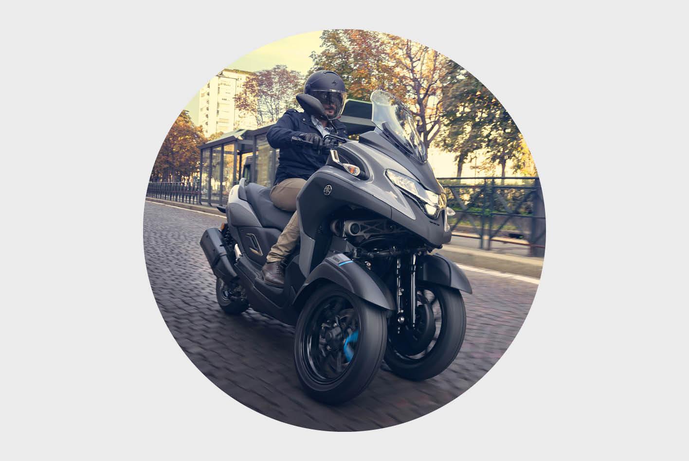 Dreirad-Roller im Vergleich: der Yamaha Tricity.