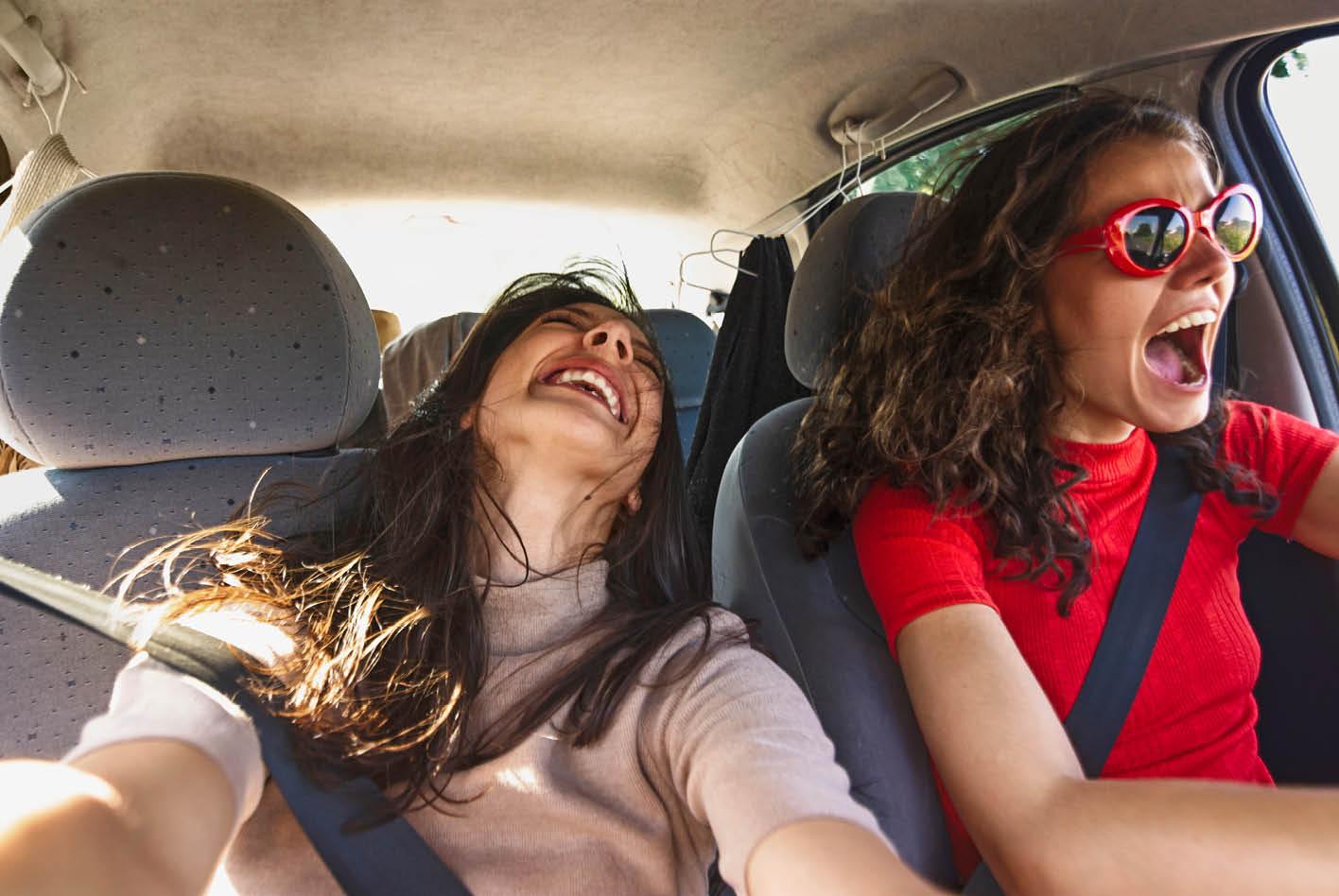 Verkehrsrecht: Kann man im Auto zu laut Musik hören?