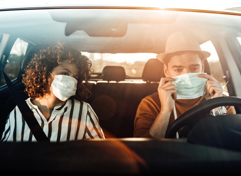 Auf was ist zu achten beim Autofahren in Corona-Zeiten? Wie steht es mit Fahrgemeinschaften oder Masken am Steuer?