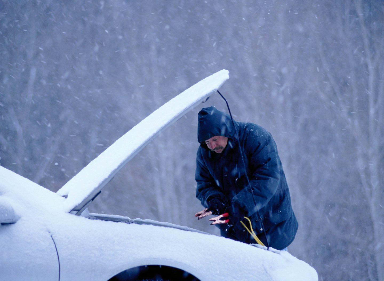 Vor allem in der kalten Jahreszeit macht die Autobatterie schlapp.