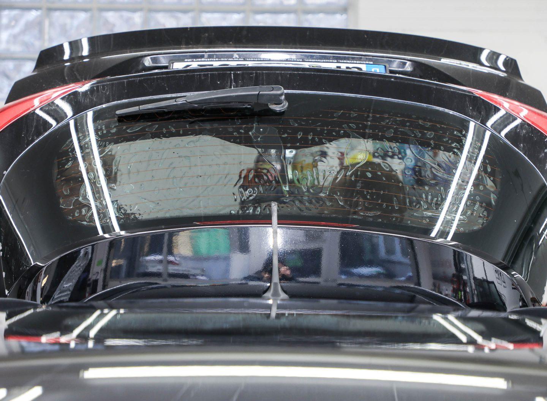 Autoscheiben tönen bringt viele Vorteile wie UV-Schutz, Blendschutz und Wärmeschutz