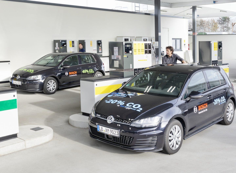 Ein neues Öko-Benzin kommt an die Tankstelle. Foto: Bosch
