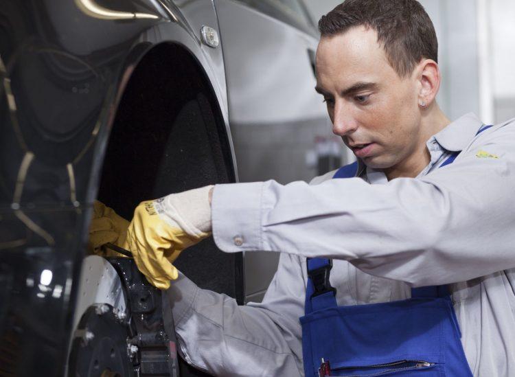 Drei Millionen Fahrzeuge hat das KBA 2020 zurückgerufen. Für deren Halter bedeute das einen ungeplanten Werkstattbesuch. Bild: ZDK