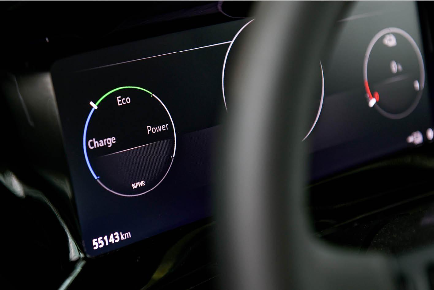 """Beim Upcycling, wie das """"aus Alt mach neu"""" genannt wird, sparten die Designer das heute dann doch zu antiquiert wirkende Cockpit aus. Bild: Opel"""