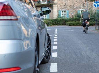 Falschparker auf Radweg